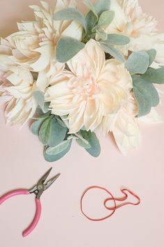 How-To-Make-Paper-Flowers_Appetitepaper.com_Cafe-Au-Lait-Dahlia-Bouquet_03