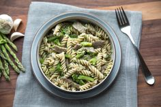 Learn how to make delicious Einkorn Fusilli with Steak, Asparagus & Broccoli straight from the experts at Jovial Foods. Gluten Free Pasta, Gluten Free Recipes, Asparagus, Broccoli, Food Inc, Fusilli, Green Beans, Steak, Grains