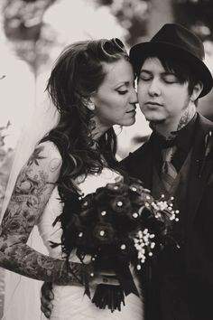 Mr & Mrs Tattooboy's Heavily Tattooed, Ass Kickin' Rockabilly Wedding Rockabilly Wedding, Rockabilly Fashion, Wedding Tattoos, Tattooed Wedding, Tattooed Couples, Tattooed Brides, Got Married, Getting Married, Brides With Tattoos