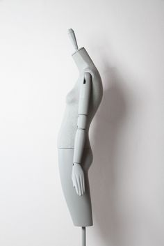 The Aloof family of mannequins by Bonaveri is now complimented by a striking collection of bust forms with an unmistakable Schläppi silhouette. Crash Test Dummies, Logo Development, Drawing Sketches, Drawings, Character And Setting, Retail Space, Compliments, Gray Color, Sculptures