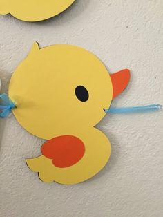 Baby Shower Duck Banner von VegasCrafter auf Etsy - Every Non Baby Shower Duck, Baby Shower Crafts, Baby Shower Decorations For Boys, Toddler Crafts, Preschool Crafts, Rubber Ducky Birthday, Drawing Tutorials For Kids, Baby Banners, Duck Cake