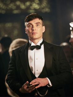 Programme Name: Peaky Blinders 3 - TX: n/a - Episode: Peaky Blinders III (No. - Picture Shows: Thomas Shelby (Cillian Murphy) - (C) Caryn Mandabach Productions Ltd & Tiger Aspect Productions Ltd 2016 - Photographer: Robert Viglasky Peaky Blinders Series, Peaky Blinders Thomas, Cillian Murphy Peaky Blinders, Boardwalk Empire, Pretty Men, Beautiful Men, Birmingham, Steven Knight, Red Right Hand