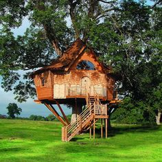 Big, beautiful treehouse