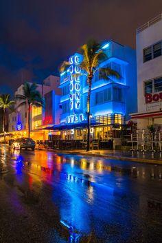Miami Beach, Miami Sunset, Miami Florida, Florida Beaches, City Sunset, City Aesthetic, Travel Aesthetic, Beach Aesthetic, Dream Vacations