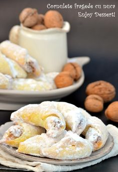 Cornulete early with cream and nuts Romanian Desserts, Romanian Food, Peach Yogurt Cake, Cake Recipes, Dessert Recipes, Sweet Coffee, Biscuits, Pastry Cake, Bread Baking