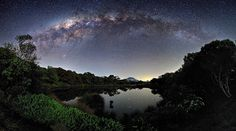 The Milky Way View from the Piton de l'Eau: Luc Perrot (© Luc Perrot)