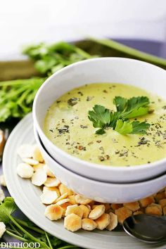 Creamy Roasted Garlic And Asparagus Soup … It's amazing what you can blend up in the kitchen! Here is a creamy roasted Garlic And Asparagus Soup recipe that I… Easy Asparagus Recipes, Tomato Soup Recipes, Healthy Soup Recipes, Cooking Recipes, Asparagus Ideas, Budget Recipes, Easy Recipes, Roasted Garlic Asparagus, Creamed Asparagus