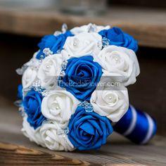 Azul real y ramo de Novia de boda blanco con por TheBridalFlower