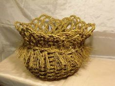 quilineja basket Gourds, Basket Weaving, Fiber Art, Decorative Bowls, Baskets, Embroidery, Crochet, Free Market, Tejidos