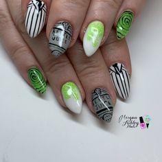 Day Beetlejuice and Nightmare Nail Art Beetlejuice, French Tip Nail Art, Gel Nails French, French Tips, Hot Pink Nails, Pink Nail Art, Silver Glitter Nails, Glitter Nail Art, Halloween Nail Designs