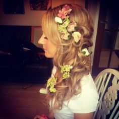 Boho bridal hair with flowers x