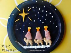The 3 kings, or reyes magos as I used to teach about in Spanish class, are an integral part of the Christmas story. As we celebrate this special time, mixed with all of the fun holiday food we mak… Preschool Christmas, Christmas Snacks, Kids Christmas, Christmas Jesus, Christmas Goodies, Sunday School Snacks, Sunday School Crafts, Man Crafts, Bible Crafts