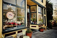 Volunteer Park Cafe in Capitol Hill | 1501 17th Ave E, Seattle, WA 98112 (206) 328-3155  - really loved this place….only a couple blocks walk from the B&B...