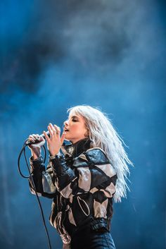 I post pictures of Paramore Hayley Paramore, Paramore Hayley Williams, Hayley Williams Style, Hayley Williams 2017, Hayley Williams Blonde, Taya Smith, Hayley Wiliams, Taylor York, Women In Music