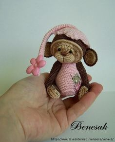 Crochet Bear this is Jude, crochet Monkey Crochet Monkey, Crochet Teddy, Crochet Bunny, Cute Crochet, Crochet Animals, Crochet Doll Pattern, Crochet Toys Patterns, Stuffed Toys Patterns, Crochet Dolls