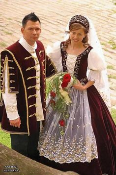 The Hungarian style is everlastingly beautiful! Traditional Wedding, Traditional Dresses, Hungary Travel, Costumes Around The World, Hungarian Embroidery, Arte Popular, Folk Costume, Historical Clothing, Marie