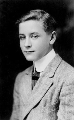 """Rich Boy,"""" a Short Story by F. Scott Fitzgerald Scott Fitzgerald The writer as a boy. Scott Fitzgerald The writer as a boy. Robert Mapplethorpe, Book Writer, Book Authors, Scott And Zelda Fitzgerald, Annie Leibovitz, Writers And Poets, Richard Avedon, Famous Faces, Short Stories"""