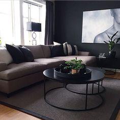 Black walls Home Living Room, Living Room Designs, Living Room Decor, Living Room Inspiration, Home Decor Inspiration, Interior Exterior, Home Interior Design, Minimalist Home Interior, Family Room Decorating