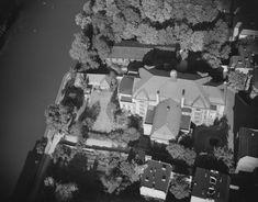 Stadt – Luftaufnahme: Stadtviertel mit der Stadthalle 1942/1944