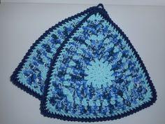 Topflappen - Granny Square Topflappen Bunt Dreiecksform - ein Designerstück von LenasBunteMaschen bei DaWanda