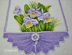 pano de copa com pintura de orquideas Crochet Borders, Crochet Squares, Crochet Motif, Diy Crochet, Crochet Patterns, Diy And Crafts, Arts And Crafts, Doilies, Tatting