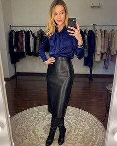 Skirt Outfits, Sexy Outfits, Dress Skirt, Fashion Outfits, Womens Fashion, Fashion Skirts, Dress Shoes, Shoes Heels, Black Leather Pencil Skirt