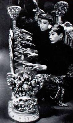 Image result for gamelan group photo black and white Group Photos, Photo Black, Black And White, Concert, Image, Art, Art Background, Group Shots, Black White