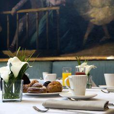 Desayunos llenos de productos #gourmet y ambiente relajado.  Si quieres ir a desayunar al @AVPalace para 2 personas.  #CONCURSO    Una mañana en el Buffet desayunos en el Hotel @avpalace lleno de #DivinosSabores    Como participar?  1 Seguir a @AVPalace y @divinossabores en  Instagram  2 Menciona en esta foto a 3 amigos tuyos.   El sábado 10 junio conoceremos al ganador!    MUCHA SUERTE!    La reserva se realizará directamente con el Hotel    Participando estás diciendo que eres mayor de…