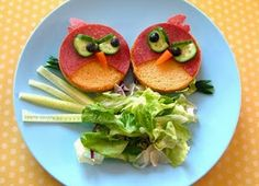 we love food! and angry birds. Dinners For Kids, Kids Meals, Cute Food, Good Food, Funny Food, Food Art For Kids, Childrens Meals, Edible Food, Edible Crafts