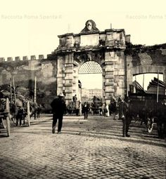 Piazzale Appio – Porta San Giovanni Anno: 1900 ca Old Photos, Vintage Photos, Best Cities In Europe, Vatican City, Vintage Italian, Beautiful Images, Travel Photography, San Giovanni, Italy