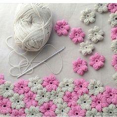 Az kaldi ☺️ astarli bir bebe battaniyesi olacak #crochet #knit #yarn #crochetaddict #siparisalinir #bebekorguleri #battaniye #yatakortu #motif #dekor #natura #ip #yarn #yummy #justcotton #kirlent #yatakortu #dantel #supla #paspas #battaniye #koltuksali #softrenkler #siparis #orgu #tigisi #elisi