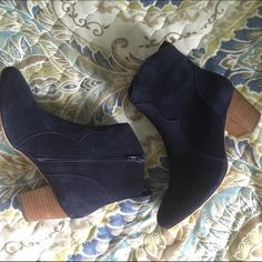 Steve Madden Suede Navy Booties NIB Steve Madden Suede booties in navy blue!   Sz 7 and runs true to sz.   Selling bc I prefer a shorter ankle bootie.   Super comfy and would be a great addition to any closet being a neutral that's not the typical blk or camel color.   Get them for festival season Steve Madden Shoes Ankle Boots & Booties