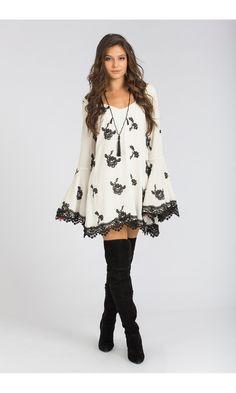 Vestido Preto e Branco Barra Renda - Agatha e-Store
