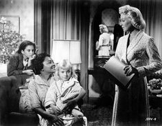 Still of Lana Turner and Juanita Moore in Imitation of Life. This is a great movie and a tearjerker!!!