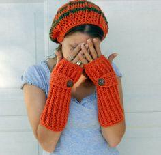 LOVE these fingerless mittens!