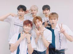 ASTRO [아스트로]   Group Photo!