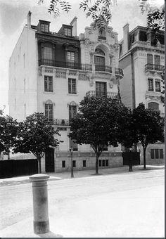 Prédio de António Thomaz Quartim, Av. Alexandre Herculano, premio Valmor em 1911