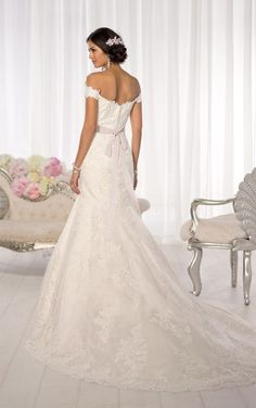 2bc4093c03f2 Trouwjurken. Essense Of Australia Wedding DressesEssense ...