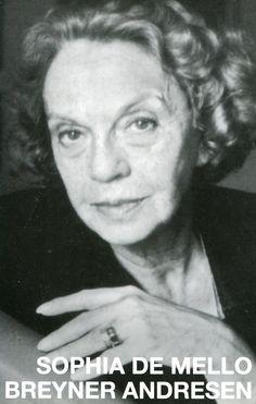 Sophia de Mello Breyner Andresen (1919 - 2004) foi uma das mais importantes poetisas portuguesas do século XX. Foi a primeira mulher portuguesa a receber o mais importante galardão literário da língua portuguesa, o Prémio Camões, em 1999. | #Portugal #Porto