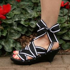 SALE Size 9  Mid Ebony Kitten RTW Mohop Shoes by mohop on Etsy, $82.00