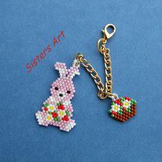 Ciondolo per borsa Pasquale il Coniglietto realizzato con perline Miyuki delica
