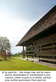 Haus P / Gangoly & Kristiner Architekten ZT GmbH - Paul Ott Pfotografiert Contemporary Cottage, Cottage Homes, Cabana, Modern Farmhouse, Zen, Interior Design, Wood, Barn, Farm Cottage