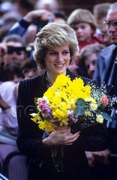 April 25 1986 Diana opened new extensions of the Chiltern Nursery Training College, Peppard Road, Caversham, Reading, Berkshire Princess Diana Images, Princess Diana Death, Princess Kate, Princess Of Wales, Real Princess, Rose Queen, English Royalty, Diane, Lady Diana Spencer