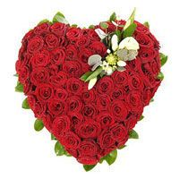 get valentine day gift delivery in Jabalpur, Heart of Red Rose - A Valentine Special Gift. Order to Send to your Valentin