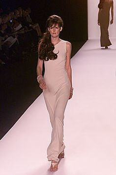 Michael Kors Collection Spring 2000 Ready-to-Wear Fashion Show - Stella Tennant, Michael Kors Stella Tennant, Michael Kors Collection, Fashion Show, Fashion Design, Designer Collection, Ready To Wear, Runway, Vogue, Formal Dresses