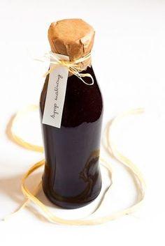 Słodki i pachnący syrop z malin i miodu. Gęsty, aromatyczny, niezwykle pyszny. Doskonały zimową porą zarówno jako dodatek do herbaty, jak i...