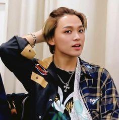 Hang Ten, Jeno Nct, Cartoon Jokes, Handsome Boys, Taeyong, Up Hairstyles, Boyfriend Material, Jaehyun, Nct Dream