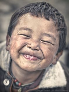Anton Jankovoy, pure joy Things I love - real life expression, unmarred by human touch up, clean up. Beautiful Smile, Beautiful Children, Beautiful People, Smile Face, Make You Smile, Kids Around The World, Smiles And Laughs, Choose Joy, Interesting Faces