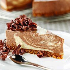 Chocolate and Vanilla Swirl Cheesecake  #CadburyKitchen #recipe