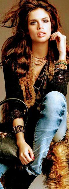 Versatile Denim, Baby Queen, Hottest Redheads, Love Jeans, Blue Suede Shoes, Jeans Bleu, Boho Girl, Rocker Chic, Denim Fashion